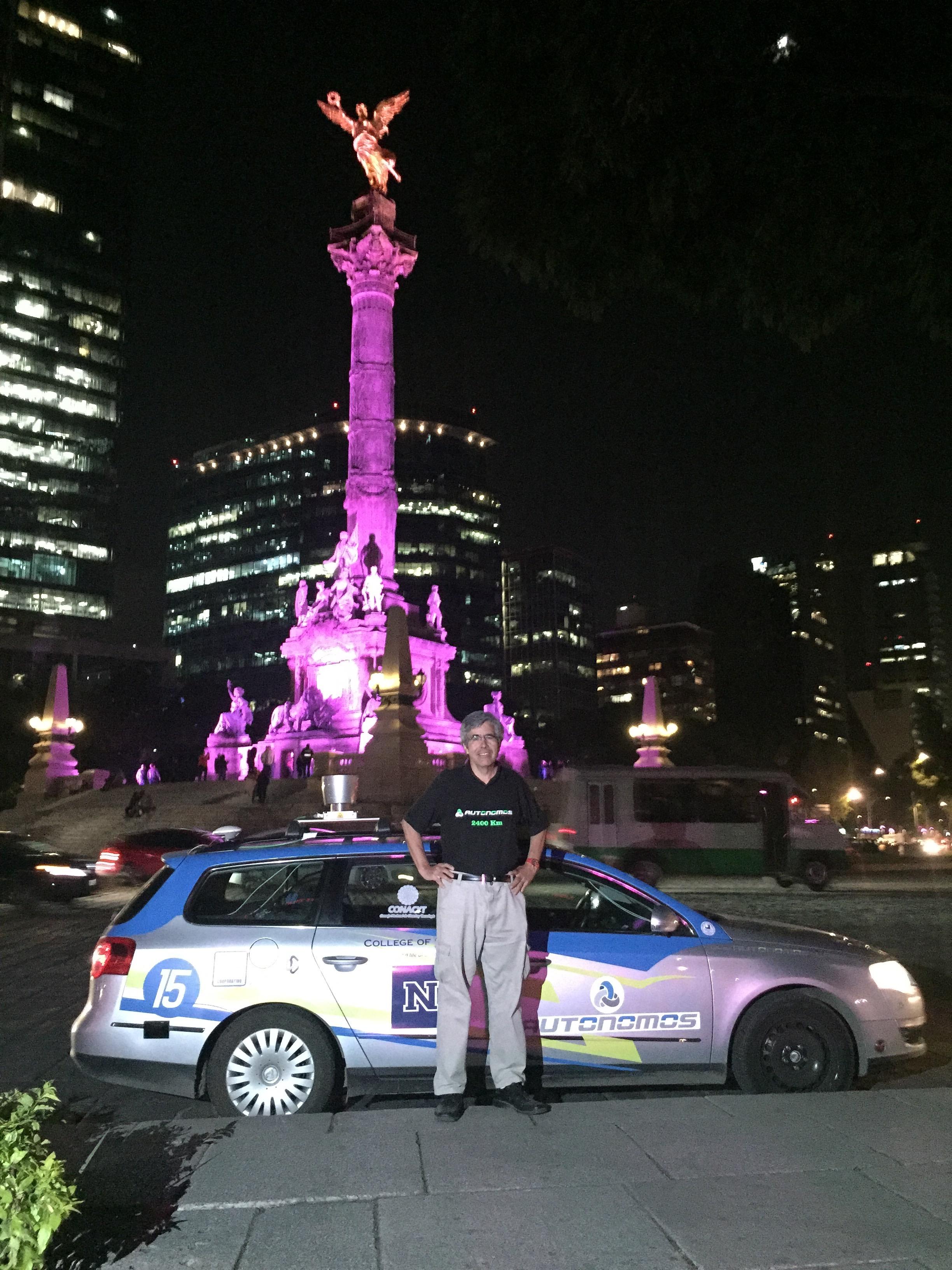 Rojas at Angel de la Indepencia