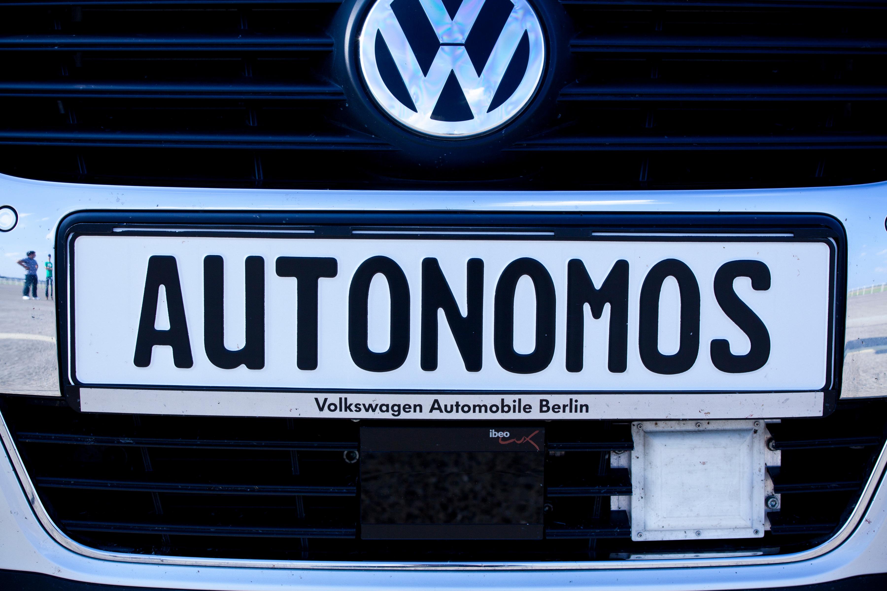 autonomos_press_conference_2011_(18)